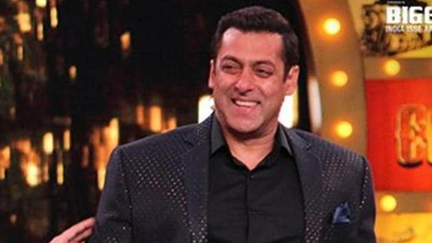 Bollywood superstar Salman Khan has unseated his actor-friend Shah Rukh Khan to become the top earning celebrity of 2016 in the Forbes India Celebrity 100 List with an estimated income of Rs 270.33 crore.(HT Archive)