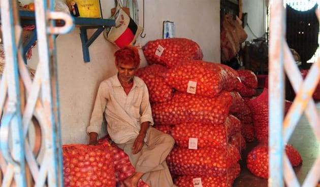 Prices are holding at around Rs 6 per kg in Indore and neighbouring places at present.(HT file photo for representation)