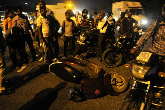 Two-wheeler and pedestrian deaths continue to remain high.(HT FILE)