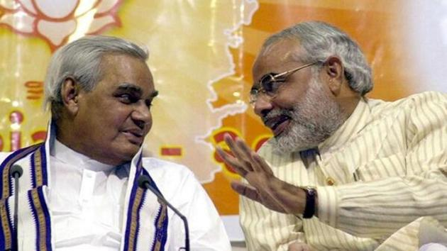 Modi tweeted an old video of him meeting former Prime Minister Vajpayee when the former was a 'karyakarta' of BJP.(HT File Photo)