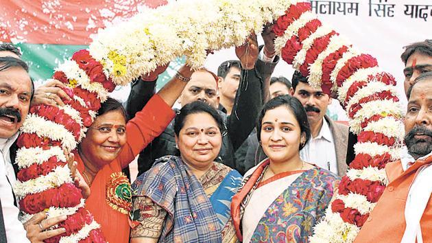 SP chief Mulayam Singh Yadav's wife Sadhna Yadav campaigning for her daughter-in-law Aparna Yadav.