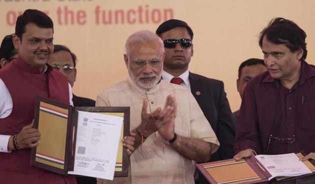 Clearly indicating that more stringent steps were planned to root out black money and corruption, PM Narendra Modi on Saturday said troubles would only increase for the dishonest in the coming days while honest citizens would get relief.(HT)
