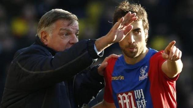 Manager Sam Allardyce with Crystal Palace's Mathieu Flamini. Palace began life under Sam Allardyce with a 1-1 draw at Watford on Monday(Reuters)