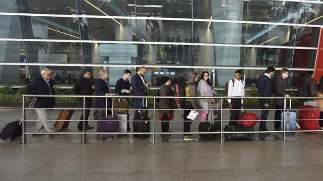 File photo of passengers at Delhi airport. Sangeeta Grover along with her two sons had come from MP's Katni to Jabalpur and then had flown in from Jabalpur to Delhi. Later they flew from Delhi to Bhavnagar in Gujarat, the police said.(Sanjeev Verma/HT Photo)