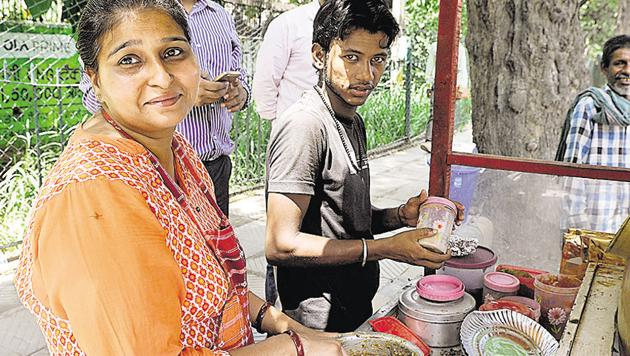 Urvashi Yadav, the 34-year-old former school teacher who became an internet sensation following her decision to run a chhole-kulche cart, has got a vendor's licence. She now plans to launch a food truck.