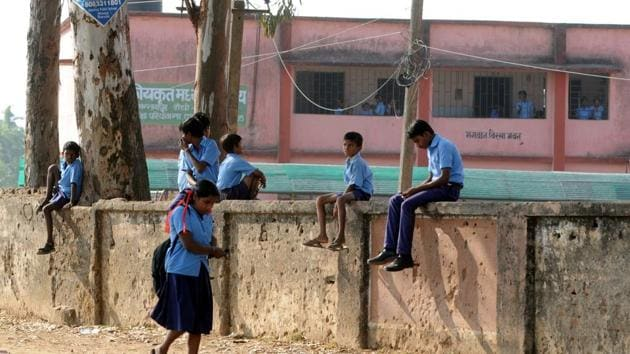 The quality of education in the state's government schools lags behind as compared to private institutes.(Parwaz Khan/HT File Photo)
