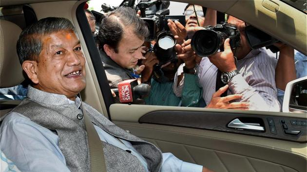 In this file photo from June 7 2016, Uttarakhand chief minister Harish Rawat arrives at CBI headquarters for questioning in connection with a sting CD probe in New Delhi.(PTI)