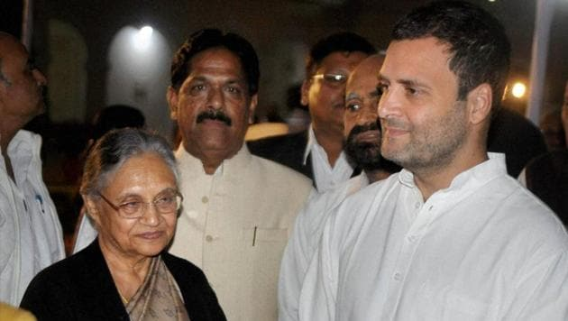 Congress vice president Rahul Gandhi along with Sheila Dikshit meeting Kamla Nehru Trust Workers during inauguration of a photo exhibition on Indira Gandhi's life to mark her 100th birth anniversary celebrations at historical Swaraj Bhawan in Allahabad on November 21.(PTI)