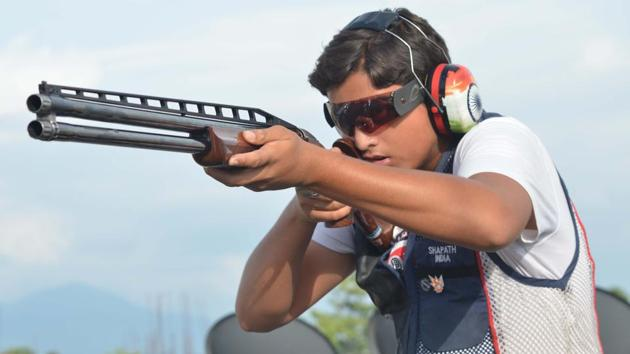 Meerut's 14-year-old Shapath Bharadwaj has made it to the senior national team in double trap shooting.(HT)