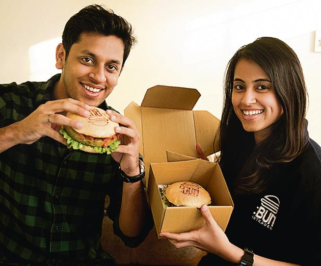 Sahib and Tanya, the couple who run Bun Intended, a goumet burger home delivery in Delhi. They cater to customers in the late night segment - 7pm to 4am.(Saumya Khandelwal / HT)