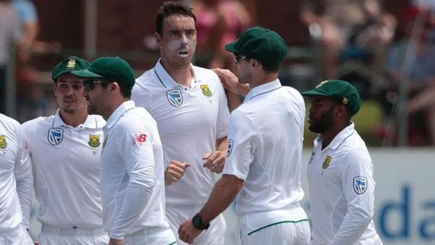 South African bowler Kyle Abbott celebrates the dismissal of Sri Lanka batsman Dimuth Karunaratne (not in picture) during the second day of the first Test between South Africa and Sri Lanka in Port Elizabeth on Tuesday.(AFP)