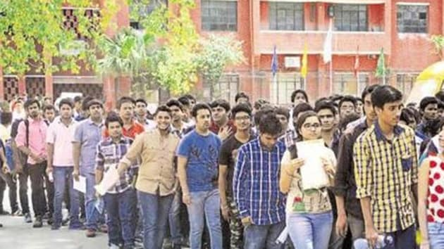 The centre has asked all states to ensure joint counselling of all their private/government colleges and private deemed universities.(HT File Photo)