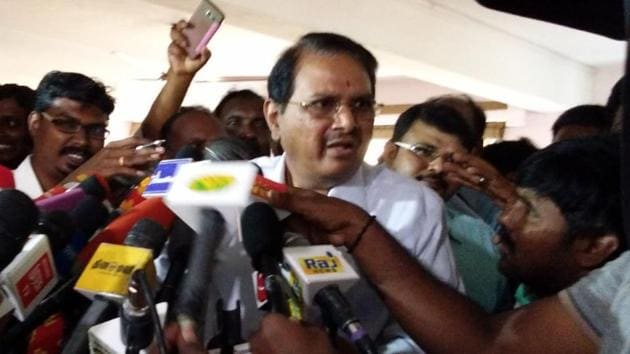 Former Tamil Nadu chief secretary P Rama Mohana Rao talks to the media in Chennai after tax raids were conducted at his and his son's house.(Picture courtesy: Grist Media)