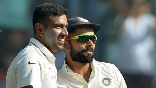 India captain Virat Kohli (R) and Ravichandran Ashwin had a brilliant 2016 with stellar performances from both the cricketers.(AFP)