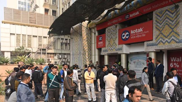The Income Tax Department questioned the manager of Kotak Mahindra Bank at Kasturba Gandhi Marg branch in New Delhi on December 23.(Arun Sharma/ Hindustan Times)