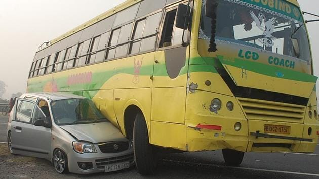 As per police records on an average 40 accidents take place on the national highway in Phagwara every month.(HT Photo)