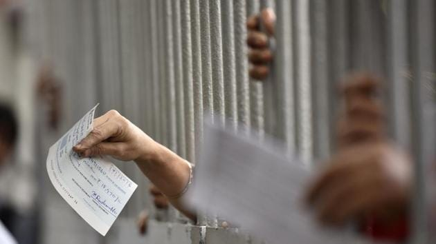 Companies can now pay their employees by cheque or an e-transfer of cash.(Arijit Sen/HT File Photo)