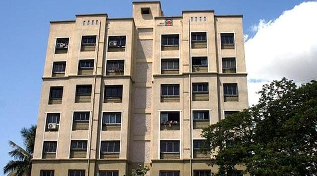 MHADA sells houses at a significant discount when compared to the market price, charging only the cost of construction, administrative costs and a minor profit.(HT Photo)