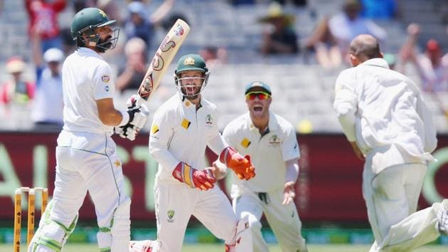 Nathan Lyon picked up the vital wickets of Misbah-ul-Haq and Younis Khan as Australia sensed a famous win against Pakistan on the final day of the MCG Test.(Getty Images)