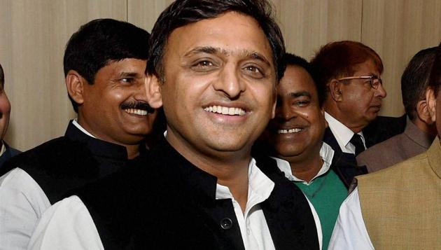 A file photo of Uttar Pradesh CM Akhilesh Yadav, who was expelled from his party on Friday.(PTI)
