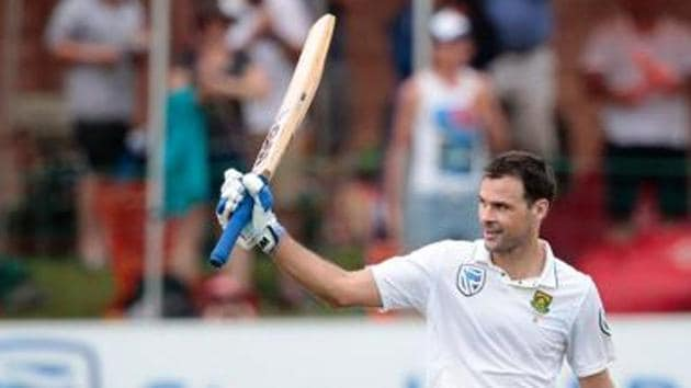 Stephen Cook was the only batsman who stood tall in the Port Elizabeth Test for South Africa after their victory over Sri Lanka.(AFP)