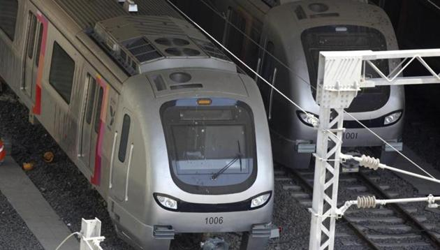 The 23-kilometre Lucknow metro is estimated to cost Rs 6,928 crore. Of this, the central government will provide Rs 1,003 crore as its share of equity. The state will have to mobilise Rs 2,128 crore.(Satish Bate/HT File Photo)