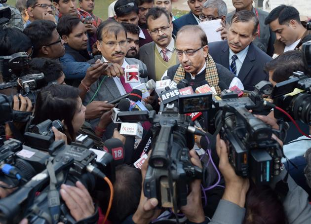Minister of State for Youth Affairs and Sports Vijay Goel talks to the media at the felicitation ceremony of junior hockey team which recently won the World Cup 2016, in New Delhi on Wednesday.(PTI)