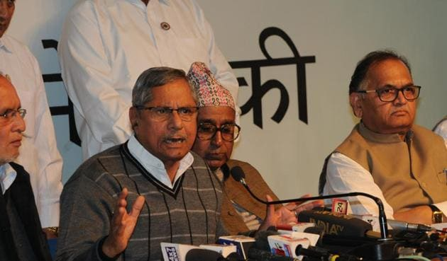 Congress leader Mohan Prakash addresses press conference in Bhopal on Friday(Praveen Bajpai/HT photo)