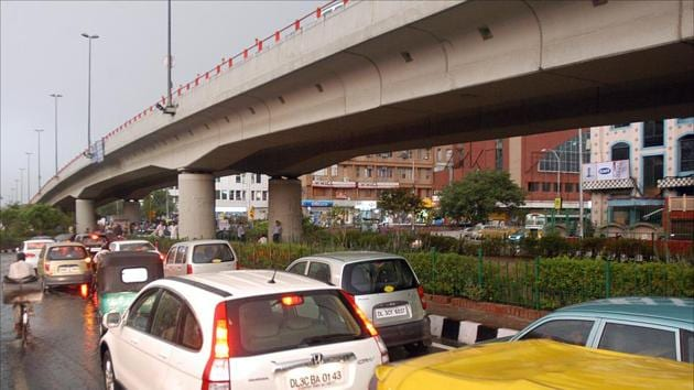 It's been five months since the Public Works Department (PWD) had prepared the proposal to turn the single carriageway Savitri flyover into dual carriageway. However, the project is still on paper as the Unified Traffic and Transportation Infrastructure (Planning and Engineering) Centre (UTTIPEC) is yet to give its approval.