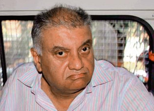 Peter Mukerjea being produced by the CBI at the Esplanade court in connection with Sheena Bora murder case in Mumbai, December 1, 2016(HT)
