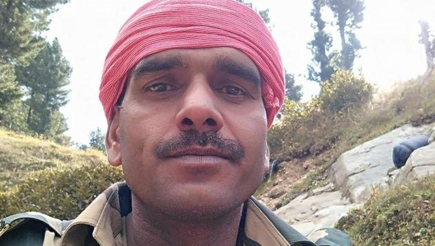 """In videos uploaded on Facebook, BSF jawan Tej Bahadur Yadav claimed that while government procures essentials for them, the higher-ups and officers """"sell it off"""" in an """"illegal"""" manner in the market.(Facebook/Tej Bahadur Yadav)"""
