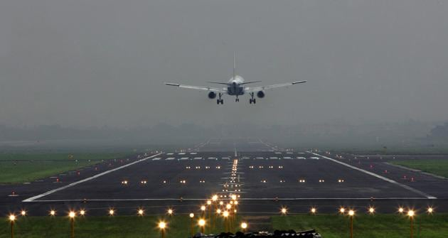 The Mumbai airport — India's second busiest — had cancelled 2,100 flights during its last runway repair period. The closure may hurt leisure travellers as the period partially overlaps summer vacations.(HT file photo)