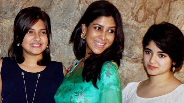 Actress Sakshi Tanwar along with Zaira Wasim and Suhani Bhatnagar at the special screening of film Dangal in Mumbai .(PTI)