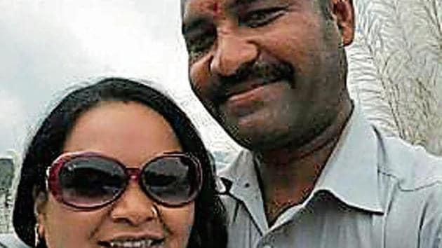 Reporter couple Pushpa and Nitin Rokde.(HT Photo)