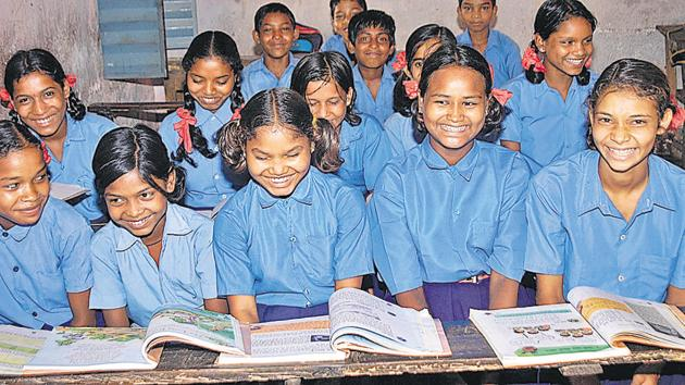 Madhya Pradesh is among the top three states in the country where the percentage of out-of-school girls is the highest, according to an education status report for 2016.(Diwakar Prasad/HT file photo)