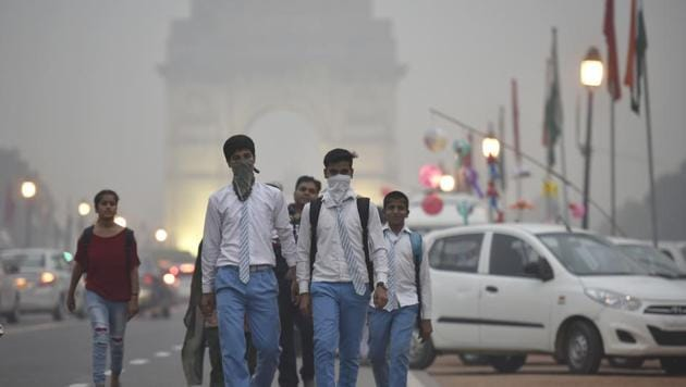 As a part of the Central Pollution Control Board's action plan to improve Delhi's air quality, 10 more monitoring stations will be set up by next winter.(Raj K Raj/HT File Photo)