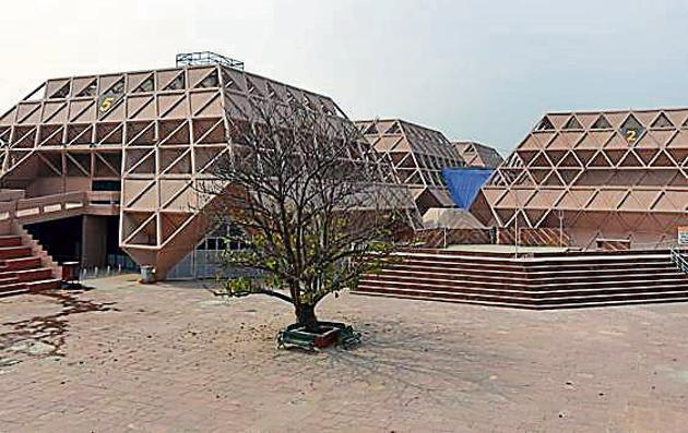 To be ready in early 2019, the world class convention centre may be the venue for G20 Summit to be hosted by India, a senior department of commerce official told HT.(HT Photo)