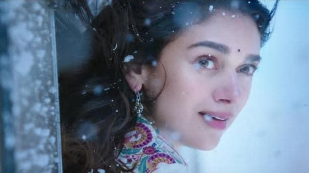 Aditi Rao Hydari plays a doctor in Mani Ratnam's Kaatru Veliyidai.(YouTube Grab)