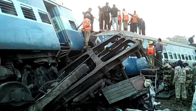 Meanwhile, railway authorities believe that the derailment of the Jagdalpur-Bhubaneswar Hirakhand Express — which left 41 passengers dead and 50 injured on Saturday night — was caused by sabotage.(HT file photo)