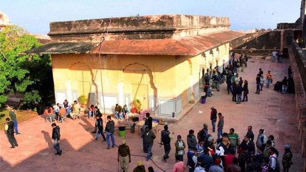 Karni Sena activists protest against the shooting of Sanjay Leela Bhansali's upconimg film 'Padmawati' alleging depiction of 'wrong facts' in it at Jaigarh fort in Jaipur on Friday.(PTI Photo)