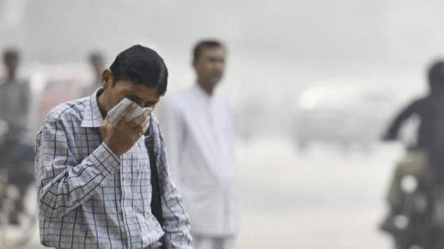 According to the Graded Response Action Plan, the Badarpur power plant ought to be shut as soon as PM 2.5 levels or ultra-fine particles in the air cross 250 micrograms per cubic.(Raj K Raj/HT Photo)