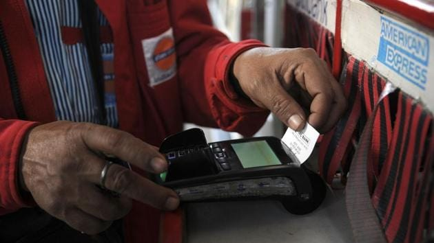 All duties on devices used in the process of cashless transactions like point of sales machines, finger print readers has been removed.(Sunil Ghosh/Hindustan Times)