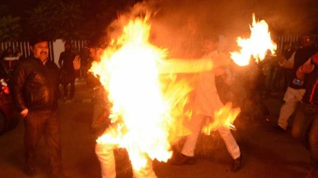 The jilted lover barged into the classroom with a bottle of petrol, poured the fuel on the girl and set her ablaze. He then rushed out of the classroom and set himself on fire as well.(PTI/ Representative Photo)