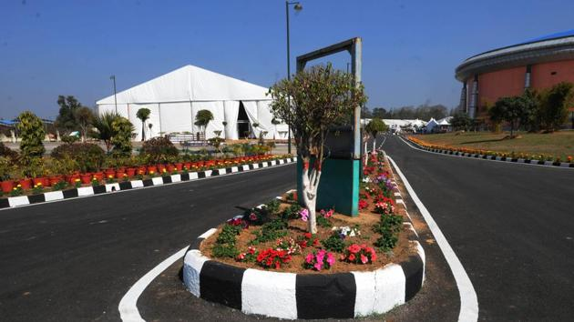 Venue of the global investors' meet Momentum Jharkhand is being decorated and preparation is going at Mega sports complex in Ranchi(Diwakar Prasad/ HT Photo)