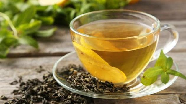 A new study found that the leaves of green tea have a particular compound which can help patients of multiple myeloma and and amyloidosis.(Shutterstock)
