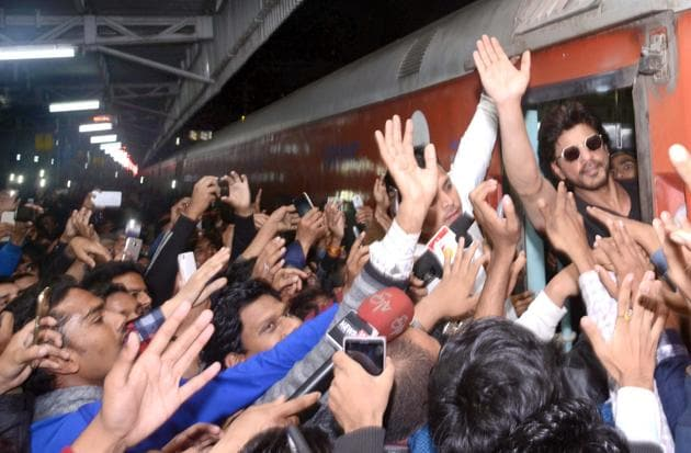 The complainant said his stall got damaged and cash stolen during promotion of Raees by Khan at Kota railway station.(HT FILE)