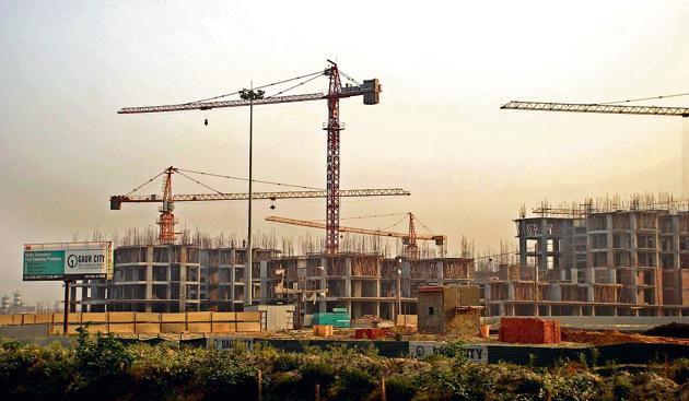 Builders are incorporating RERA provisions in the sale agreement with buyers and ensuring timely delivery of projects.(Hindustan Times, Devinder Tiwari)