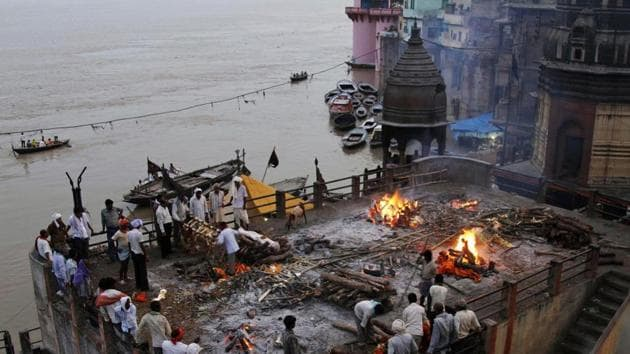The National Green Tribunal has directed inspection of Ganga flood plains to probe dumping and burning of waste after a plea alleged illegal processing of electronic waste on the banks of Ramganga in western UP.(Reuters Representative Photo)