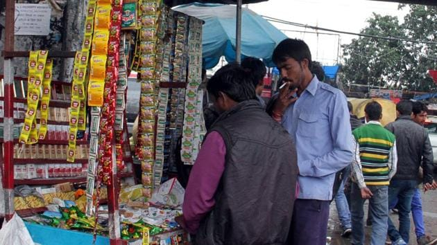 Smoking in public is rampant in Ludhiana with many people not adhering to the norms.(JS Grewal/HT)