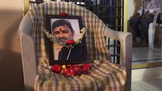 Srinivas Kuchibhotla, who was killed in a bar shooting in US' Kansas, was cremated in his home town Hyderabad, on Tuesday.(AP)
